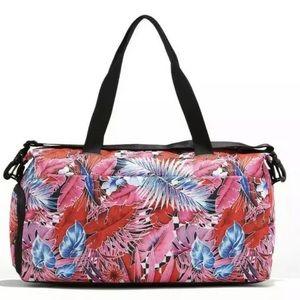 Nike Ladies Carrying Sports Fitness Bag Radiate